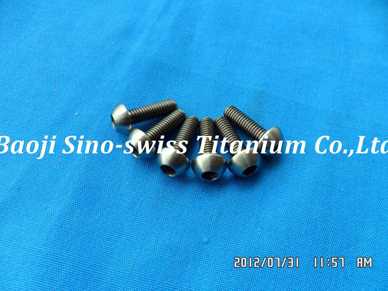 Round head titanium bolts ISO7380